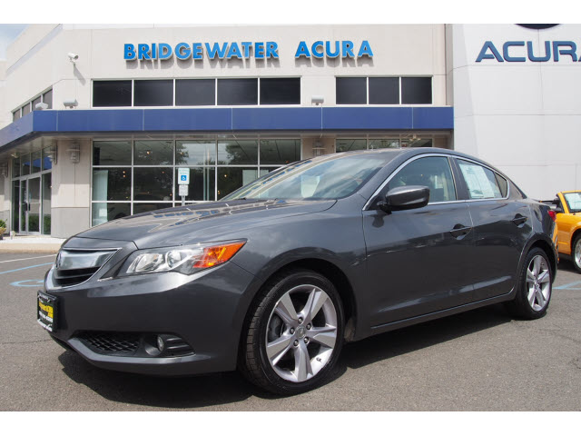 Pre-Owned 2014 Acura ILX 2.0L w/Tech